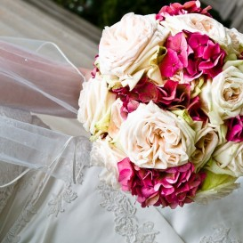 hydrangea-and-roses