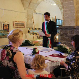 civil-wedding-in-castle-hall