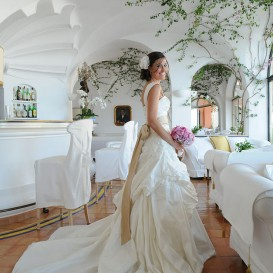wonderful-bride-in-positano