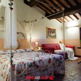 villa-vernaccia-double-bedroom