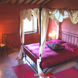double-bedroom-florentine-red