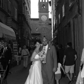 bride-and-groom-in-cortona