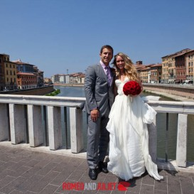 lovely-spouses-in-pisa