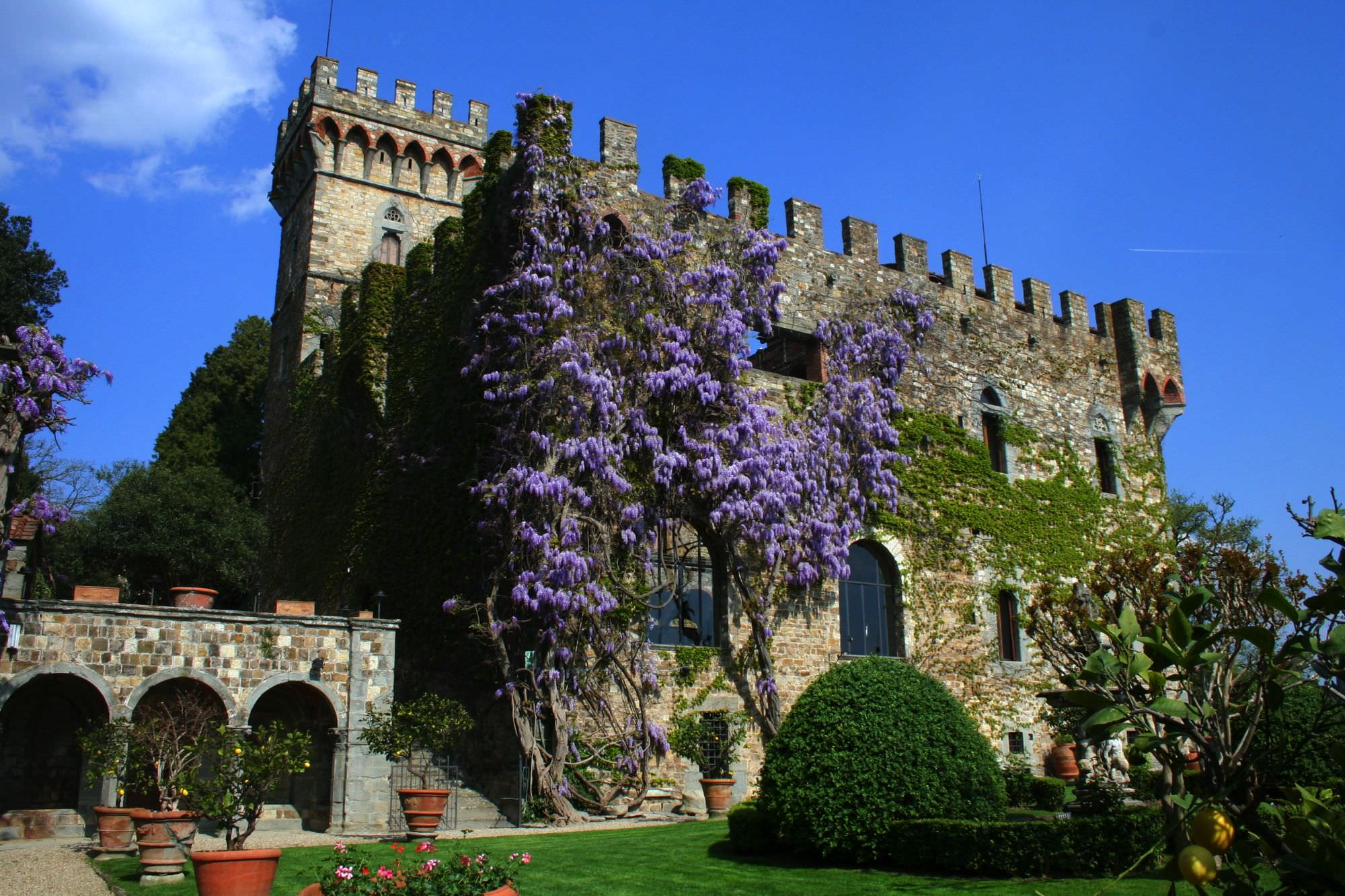 Castle Weddings in Tuscany