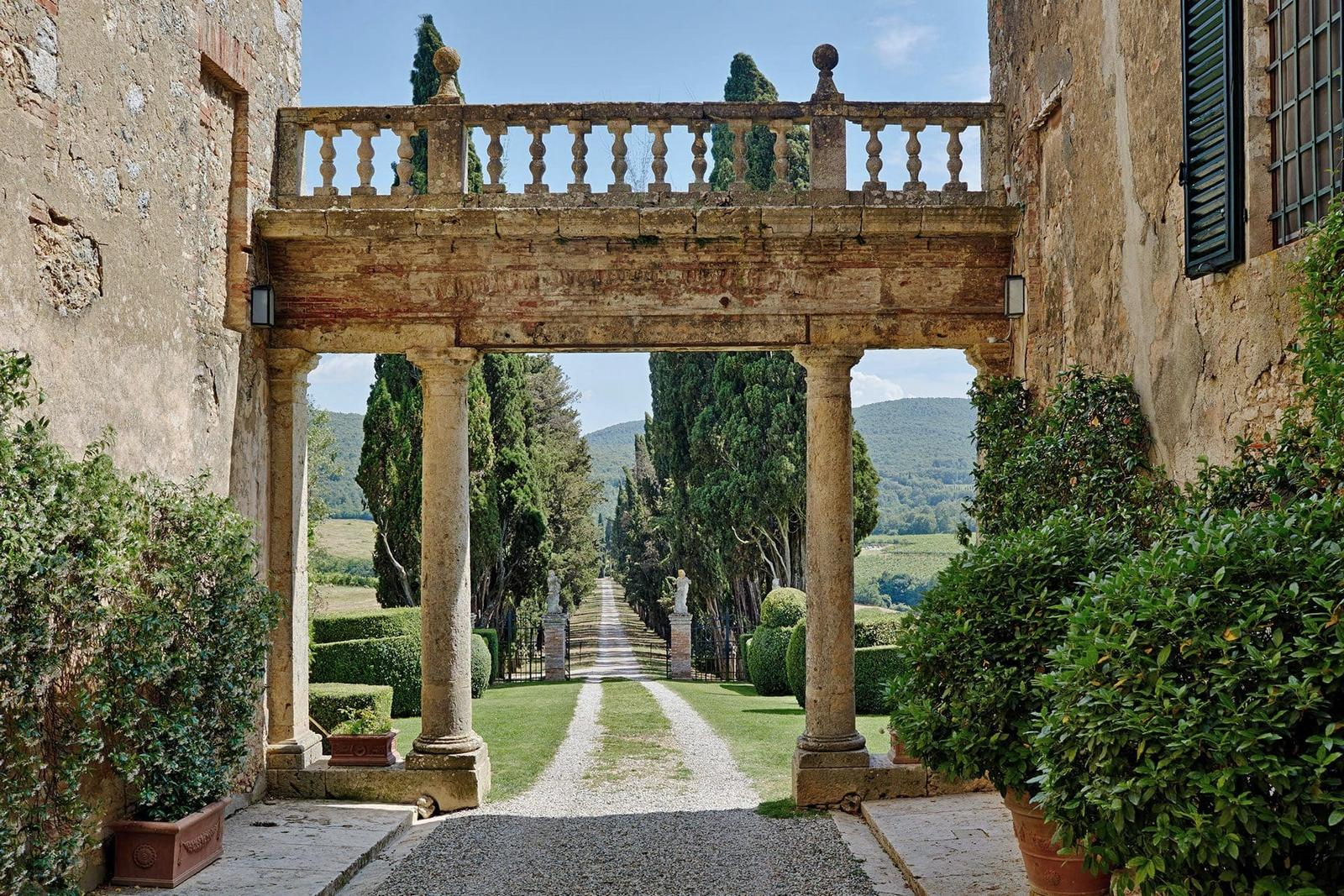tuscan historical wedding venues