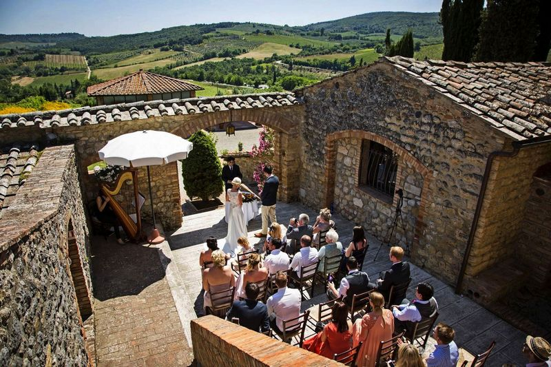 San Gimignano Farmhouse Wedding