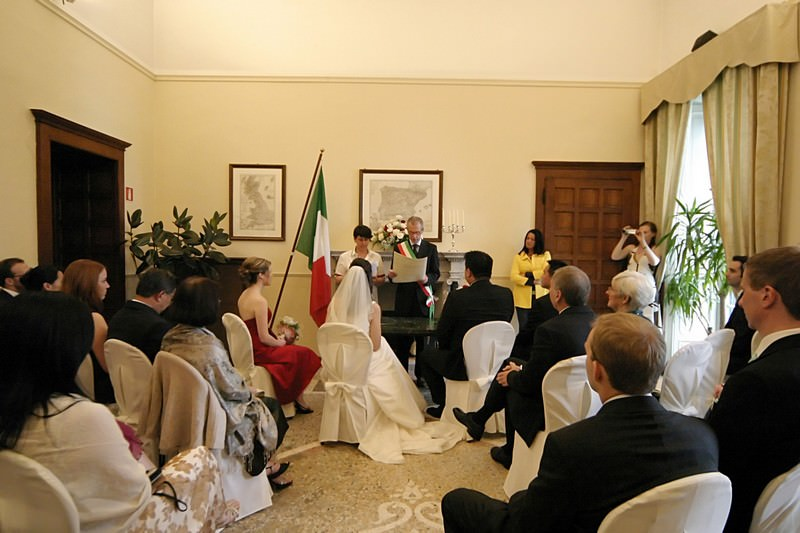 A spring wedding at Villa Cipressi