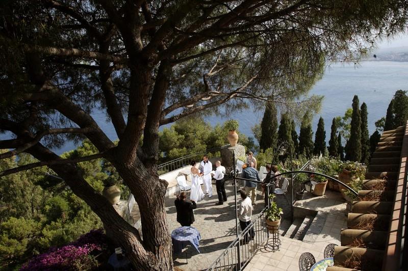 Symbolic wedding in Taormina
