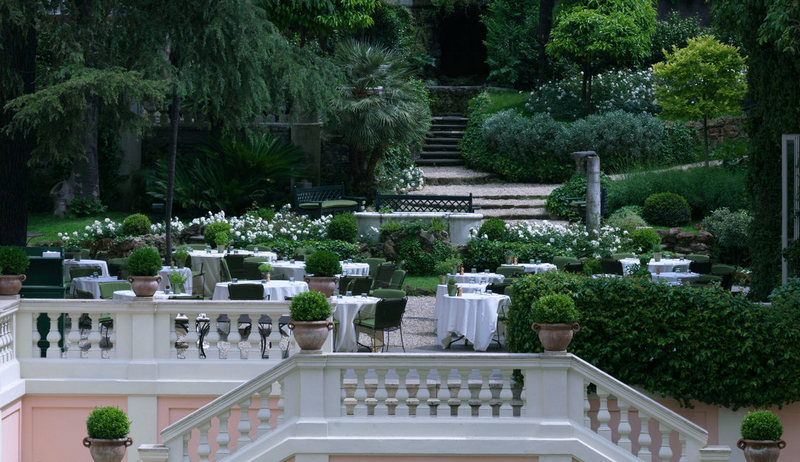 Luxury hotel with hidden garden