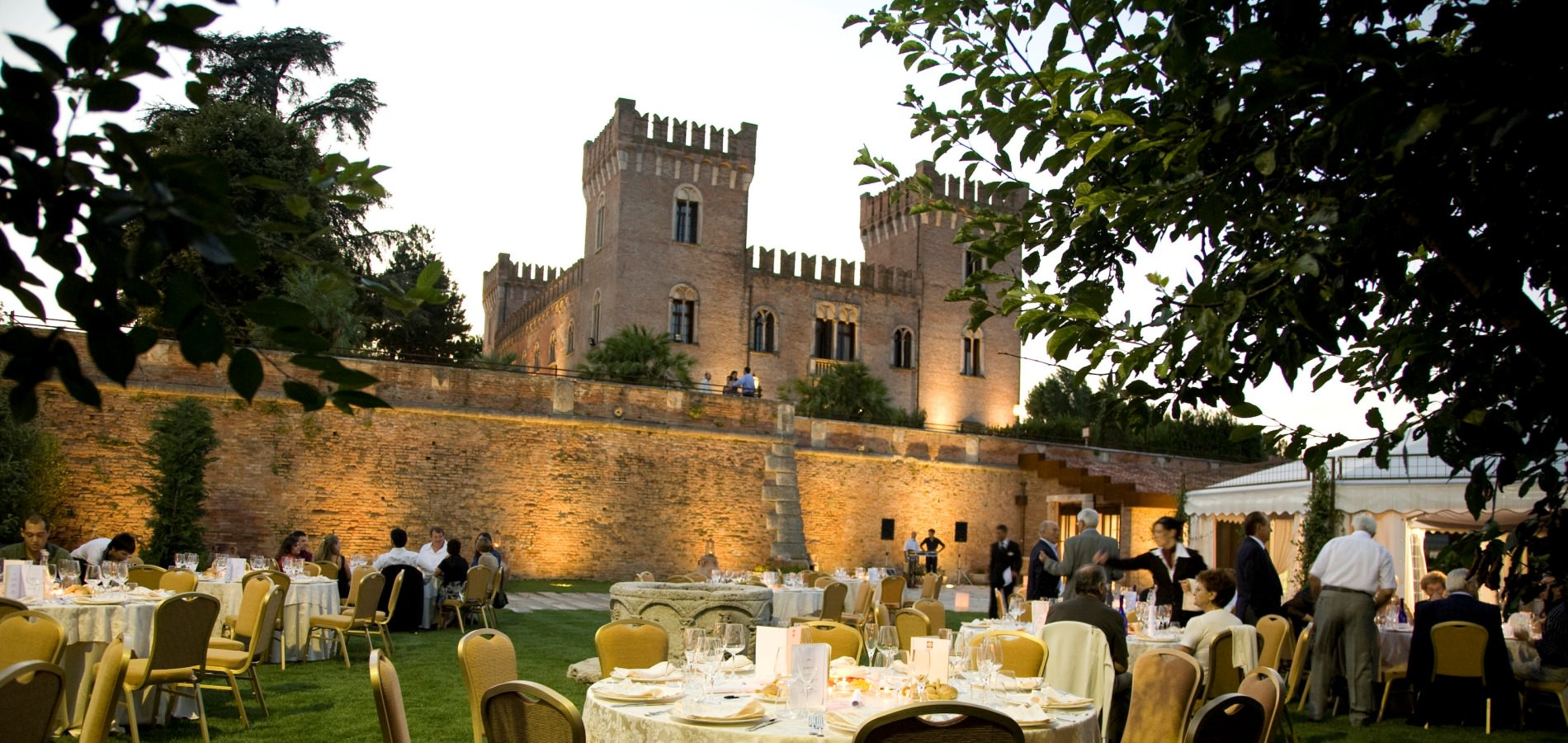 Garden Wedding at the Castle